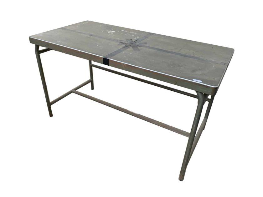 Table en métal