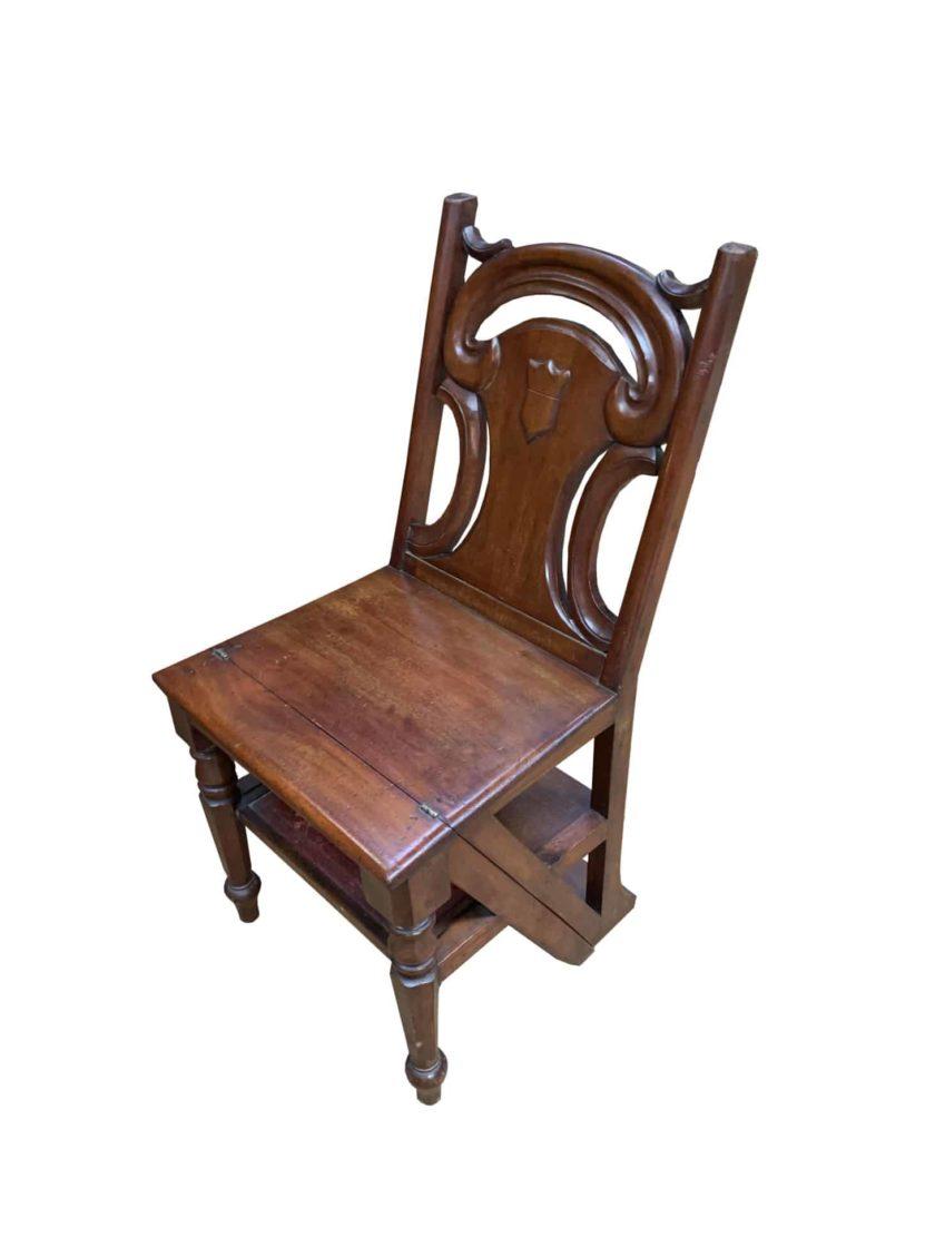 chaise escabeau pliée marron