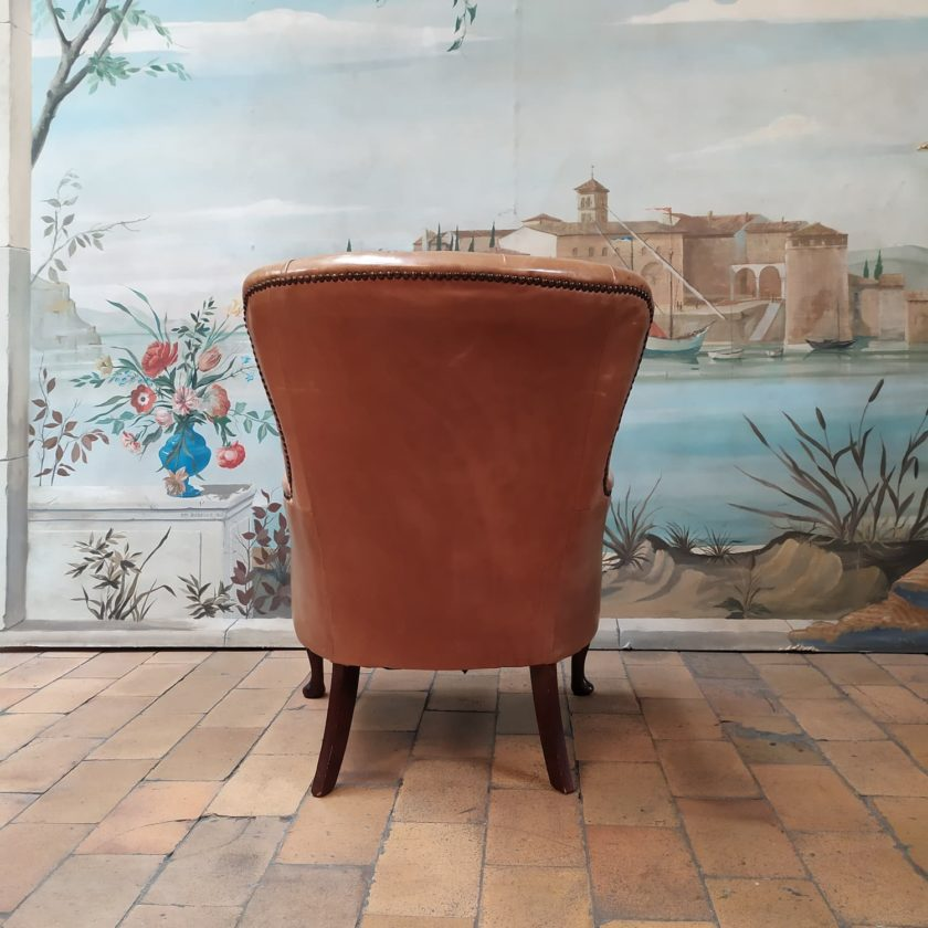 Fauteuil chesterfield chippendale dos