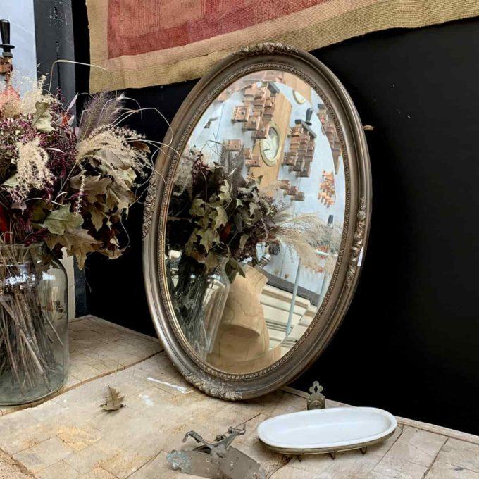 Miroir ancien en stuc, 80x69cm.