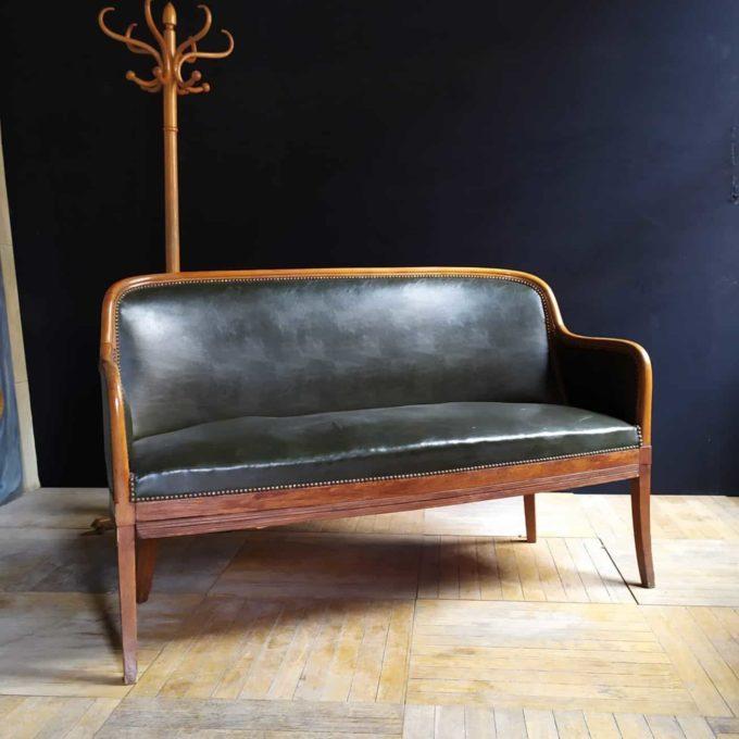 Banquette gondole ancienne en cuir, 150x65x92cm.