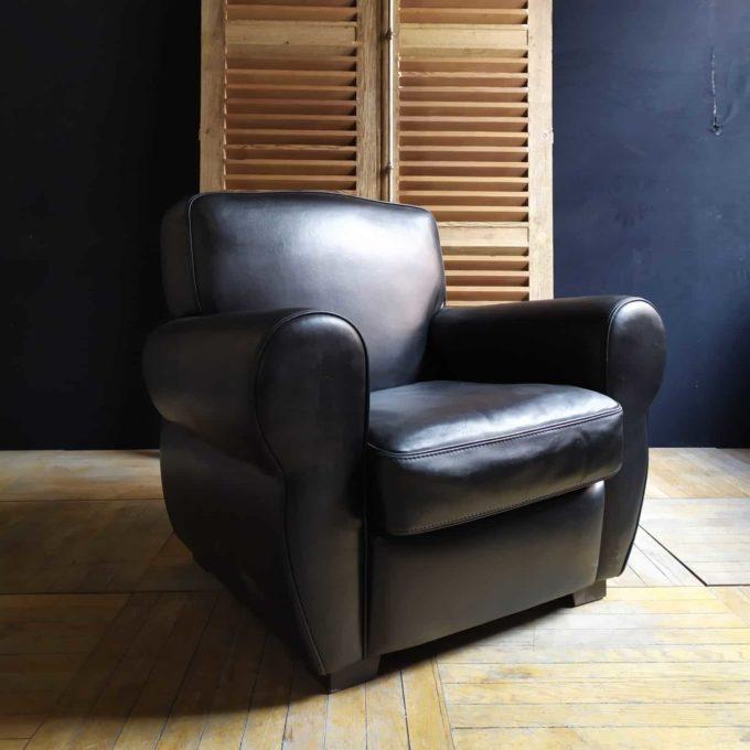 Fauteuil club en cuir, 87x80x93cm.