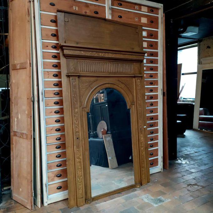 Trumeau ancien avec miroir
