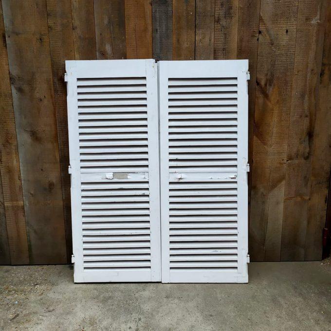 Double volets blancs, 139.5*174.5cm.