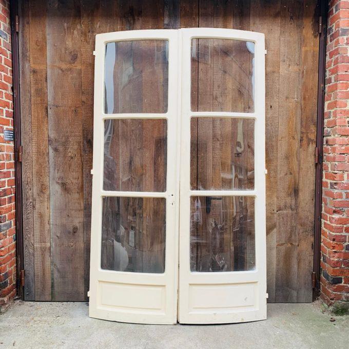 Double porte incurvé vitrée
