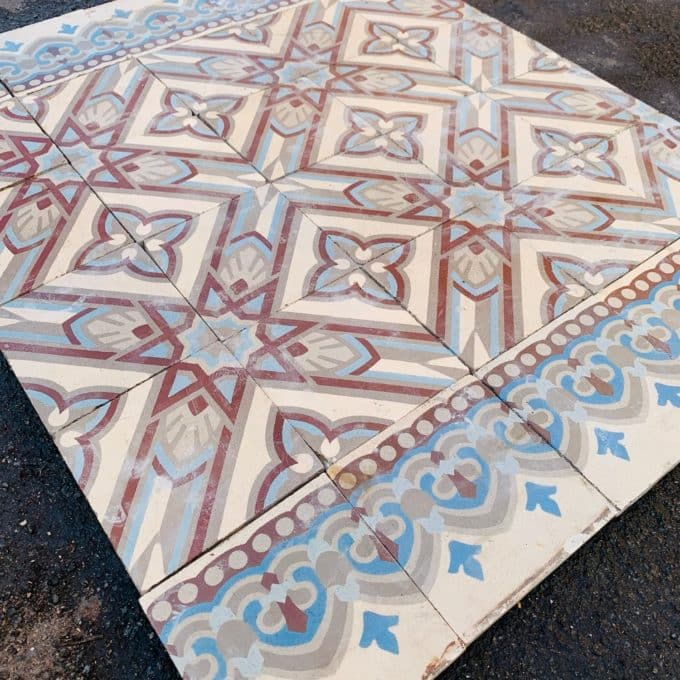 carreaux de ciment bleu rouge details